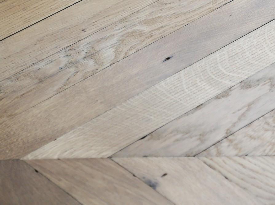 ponage et parquet la seconde tape est le ponage du sol sans poussires afin duliminer les. Black Bedroom Furniture Sets. Home Design Ideas